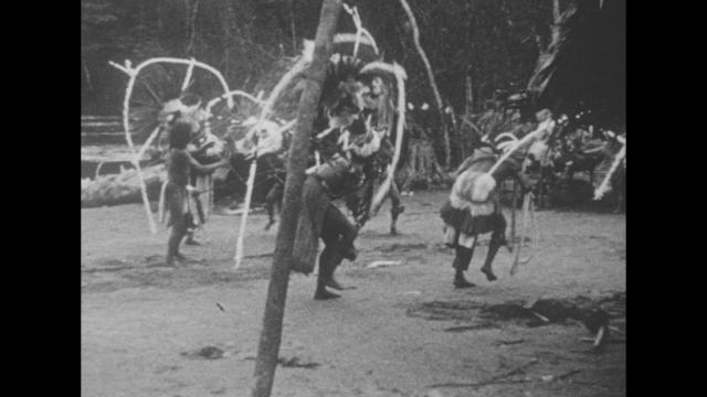 Afbeelding Bij de Wayana-Indianen in het diepe binnenland van Suriname